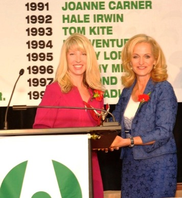 PTWA President Amy Wilson receiving award from Ann Liguori